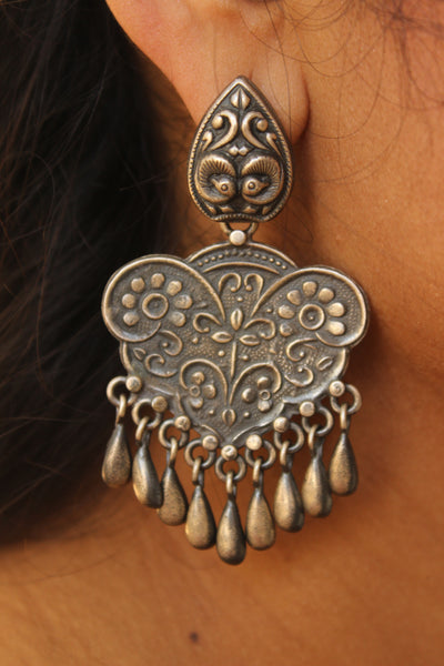 Silver earrings with carvings . VA-F9-FB