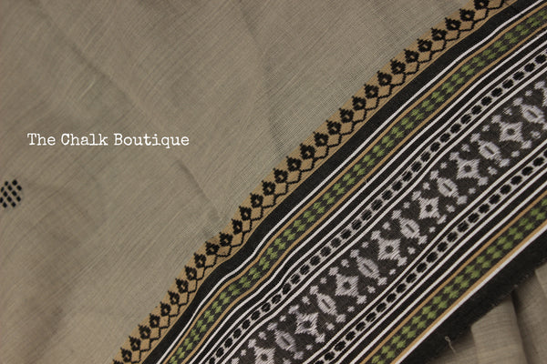 | Titanium | Grey 'Handloom mark' handwoven begumpuri saree with booti body. TCB-BB2-BG1-The Chalk Boutique