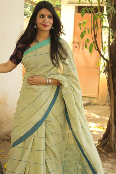 | Bricks | Handloom bricked cotton saree with contrast border.TCB-AF4-BN-The Chalk Boutique