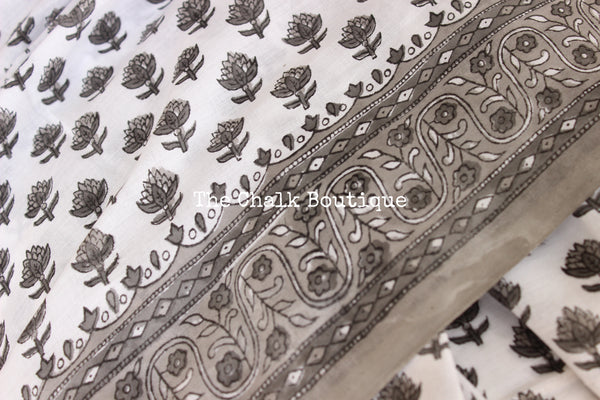 White and Grey Bagru Hand Block Print Mul Cotton saree.-The Chalk Boutique