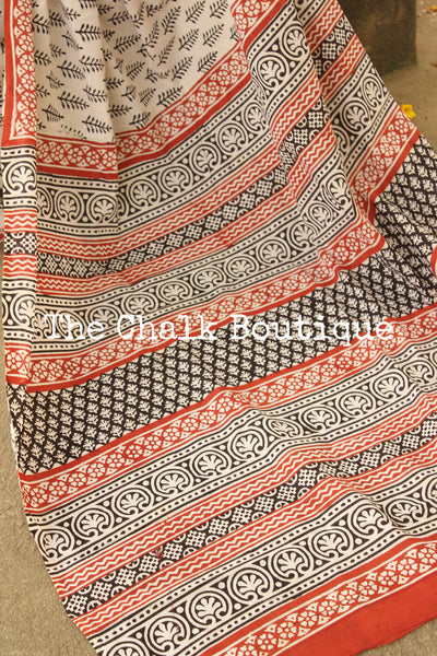 Off White and Black Bagru Hand Block Print Mul Cotton saree.-The Chalk Boutique