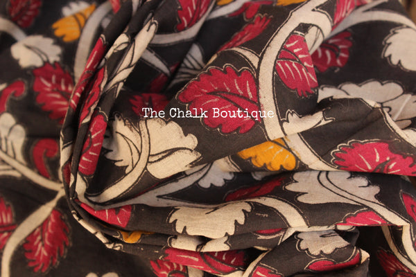 Black Floral Overall soft cotton kalamkari saree with thin border.TCB-OKAL9-P21