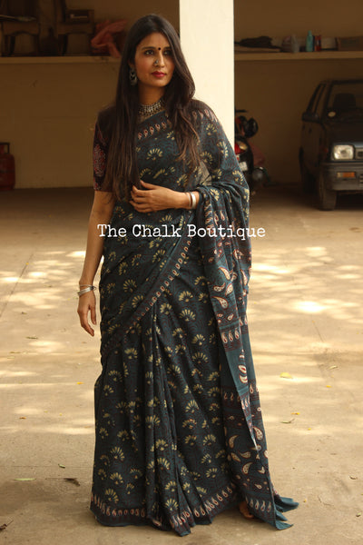 Handblock printed Indigo saree with thin border. CC-MUL1-C8-The Chalk Boutique