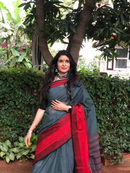 | Sanawar | Grey 'Handloom mark' handwoven begumpuri saree with naksha paar.