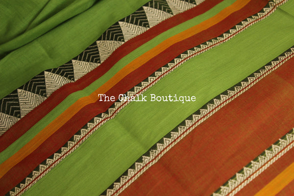 Green Soft Cotton Saree With Contrast Broad Temple Style Border. TCB-BB6-P23-The Chalk Boutique