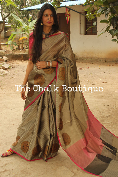 Metallic Grey Muslin Tanchoi Semi Katan Benarasi silk saree with all over weave. TCB-TN5-MC1