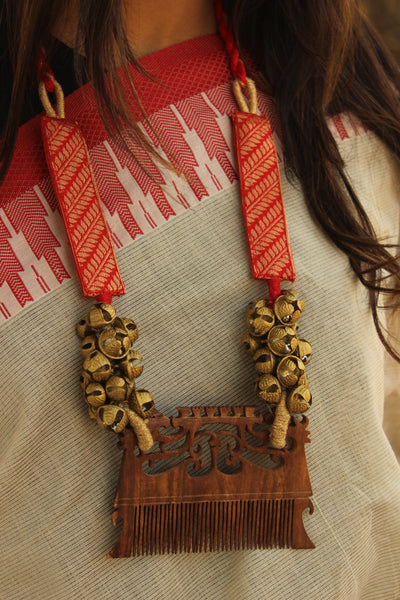 Handcrafted tie back necklace with comb and ghunghroos. AN130