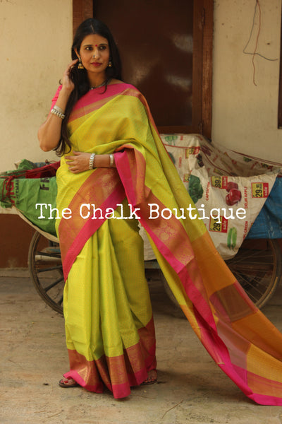 Green Muslin Tanchoi Semi Katan Benarasi silk saree with all over weave. TCB-TN7-MC1