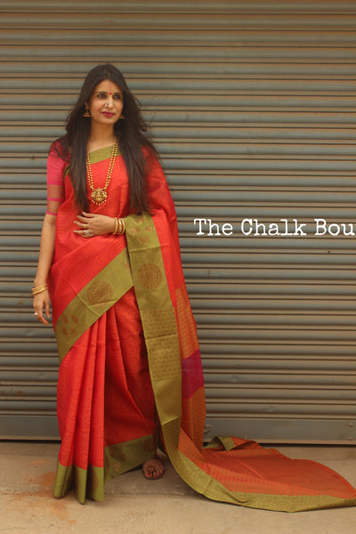 | Narangi | Deep Reddish Pink Muslin Tanchoi Semi Katan Benarasi silk saree with all over weave. TCB-TN8-MC1