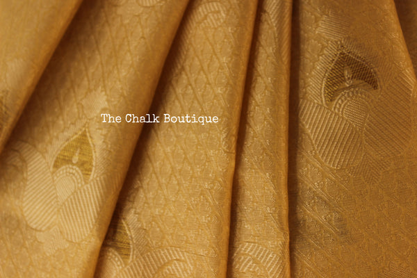 Cream Muslin Tanchoi Semi Katan Benarasi silk saree with all over weave. TCB-TN9-MC1