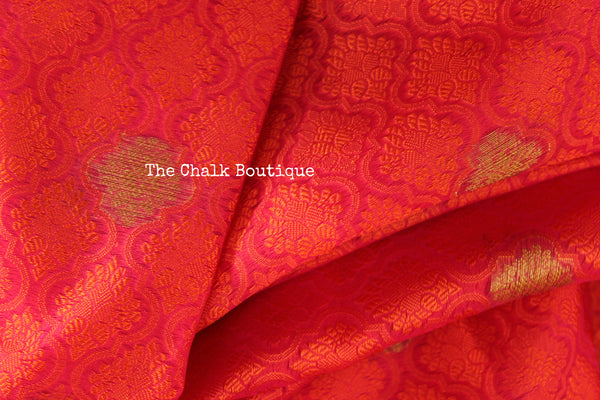 Red Muslin Tanchoi Semi Katan Benarasi silk saree with all over weave. TCB-TN17-MC1