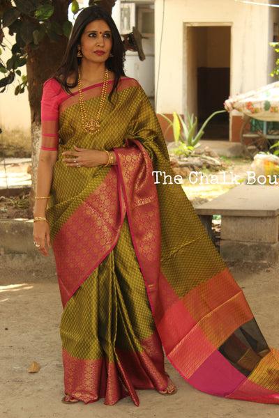 Olive Green Muslin Tanchoi Semi Katan Benarasi silk saree with all over weave. TCB-TN18-MC1