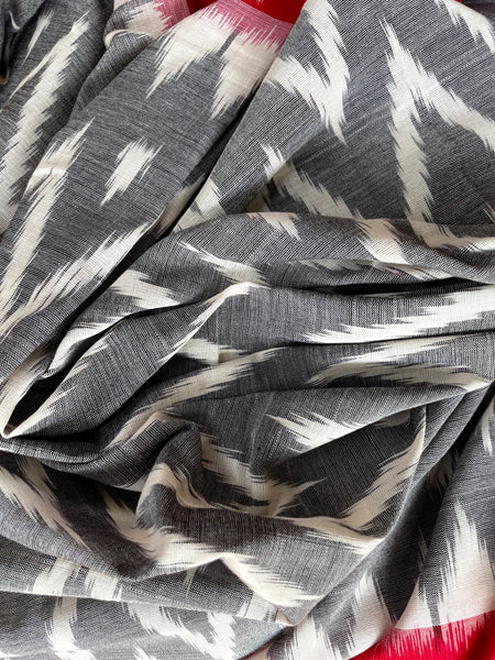 | Autumn Leaves | Grey Pure Handwoven Pochampally Single Ikat Cotton Saree