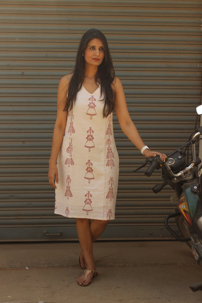 Off White Doll Print Handloom Cotton Shift Dress. DRS0352-The Chalk Boutique