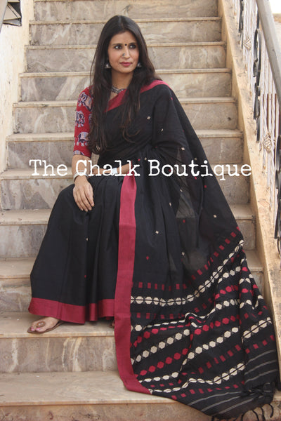 Black 'handloom mark' handwoven begumpuri saree. TCB-BBA-BG2-The Chalk Boutique