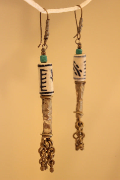 Ceramic Antique finish Earrings. B-EA-044