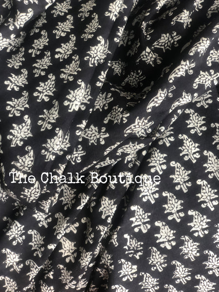 | Queen | Black Traditional Dabu Handblock printed Cotton saree.