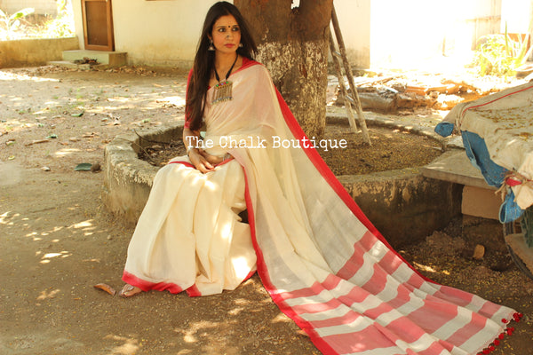 | Rajnigandha | Summery white with 'laal paar' handloom Cotton Saree. TCB-CT4-BS-The Chalk Boutique