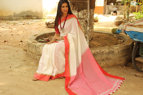 Calming White mulmul pure handloom cotton saree with contrast border.TCB-TEM7-JM-The Chalk Boutique