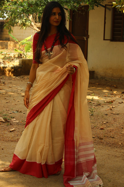 Cream handloom mark cotton saree with 'laal paar' and begumpuri woven pallu. TCB-MP1-BG-The Chalk Boutique