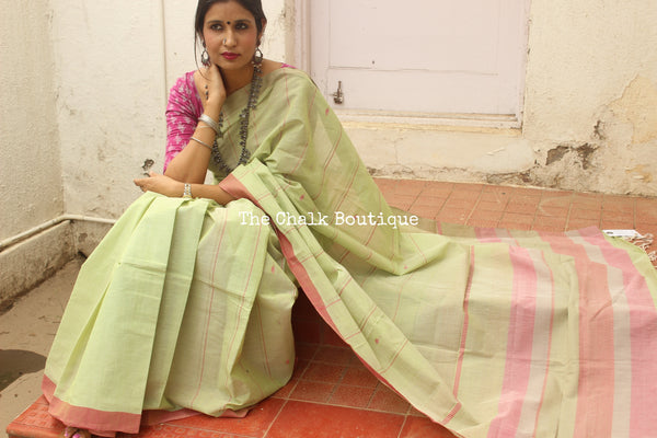 Green Bhalla Trishulam Handwoven Khadi Cotton Saree . Code- CH-TH-1