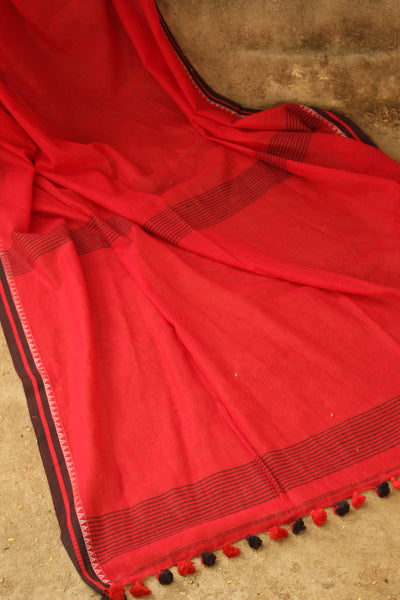 Red pure handloom cotton saree with contrast thin border. NF-KJ1-C5