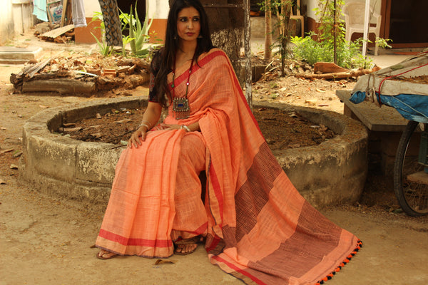 Peach pure handloom cotton saree with contrast zari border. NF-KH5-C5