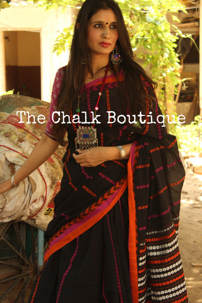 ' Blackberry' Black 'handloom mark' handwoven begumpuri saree with blouse fabric. TCB-AA8-BG-The Chalk Boutique