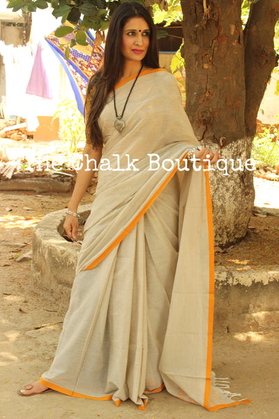 Light grey 'handloom mark' handwoven begumpuri saree with thin contrast border. TCB-PI1-BG