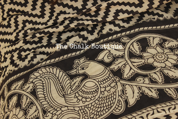 Monochrome kalamkari cotton saree with thin border and contrast pallu. TCB-KAL3-P14