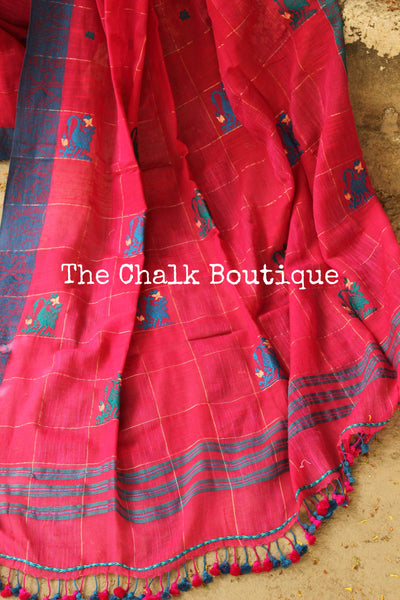 Pink pure handloom cotton saree with zari checks and handwoven swan borders. TCB-AQ3-BN-The Chalk Boutique