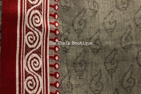 | Conch shells and Alpana | - Handloom cotton saree with self 'shankha' woven all over and contrast borders. TCB-AM2-BN