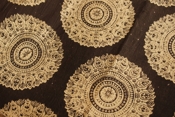 Black and White Round Big Boota Cotton Kalamkari Fabric.