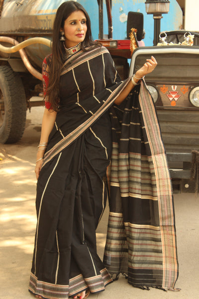 Black 'handloom mark' handwoven begumpuri saree with blouse fabric. TCB-AN1-BG-The Chalk Boutique