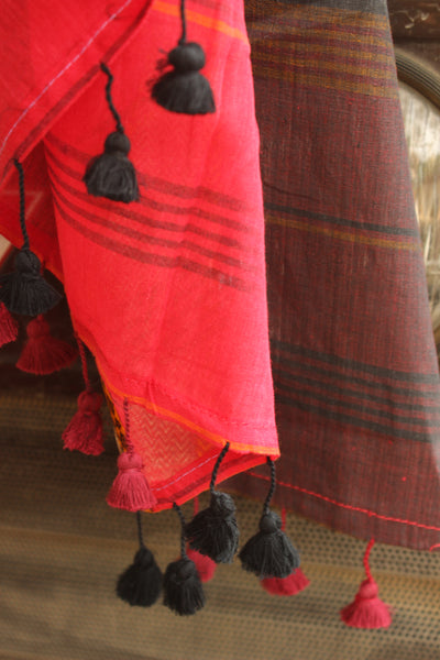 | Hot Red | - Soft and Light weight pure handloom cotton saree with woven borders. TCB-BR3-BN
