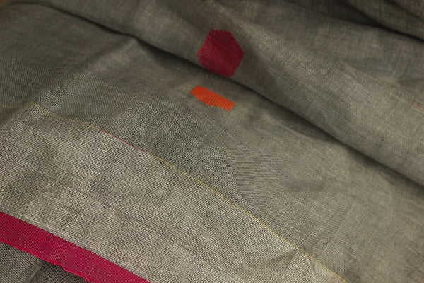 Grey linen saree with contrast border and tassels on the pallu. TCB-LN4-AY