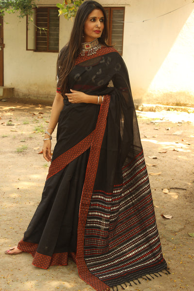 Black 'handloom mark' handwoven begumpuri saree with woven border. TCB-PB5-BG