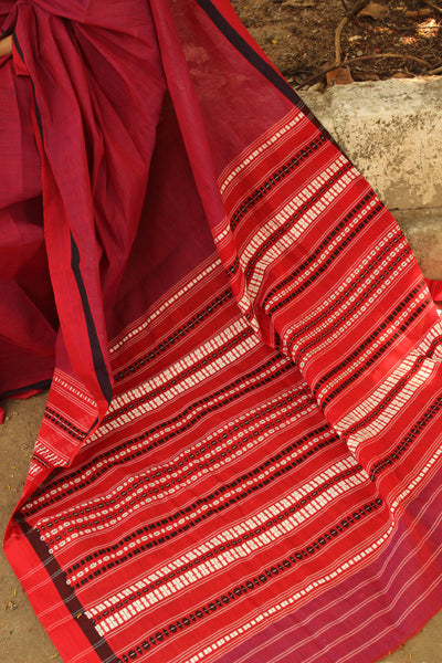 Red 'handloom mark' handwoven begumpuri saree with dobby naksha. TCB-PC6-BG-The Chalk Boutique