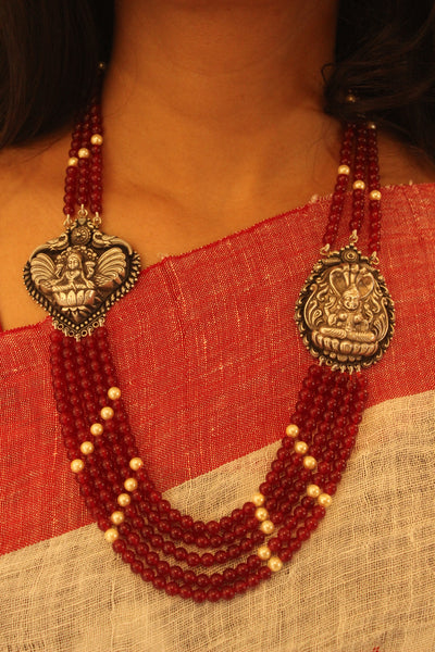 Beaded Silver necklace in red