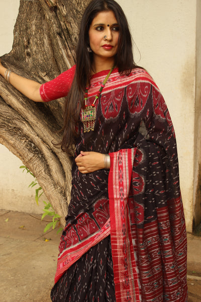 | Inkwell | Black Handwoven sambalpuri ikat saree in cotton. TCB-OR4-18-The Chalk Boutique