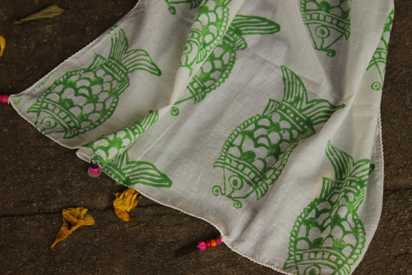 Green Fish Hand block printed stole in cotton. SCV0112