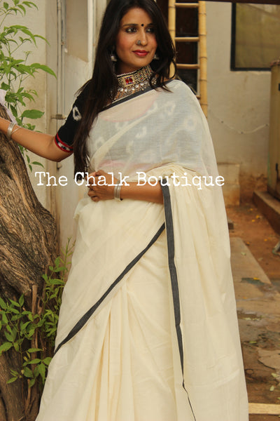 White 'handloom mark' handwoven begumpuri saree with thin black contrast border. TCB-PI5-C2-BG