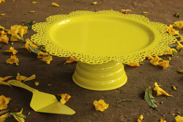 SCALLOP CAKE STAND WITH SERVER. EL-CKB-04-PGREEN