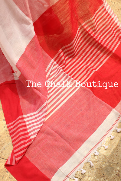 White cotton Saree with thread tassels on border and pallu. TCB-POM4-CY1