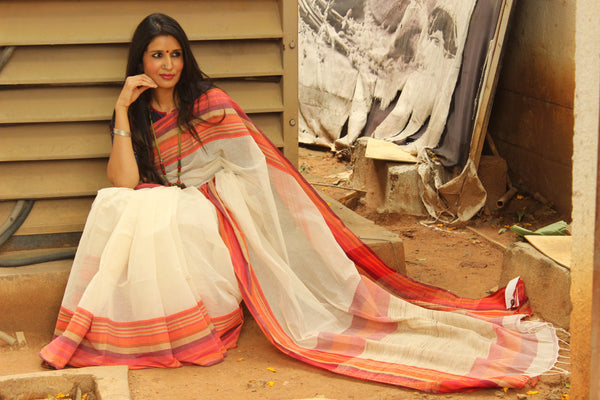 White Handloom Cotton saree with contrast striped paar. TCB-AE7-BN