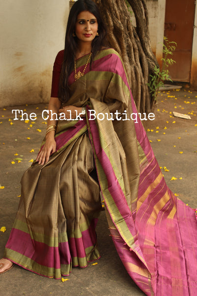 | Venus |Exquisite small checked Pure Kanjeevaram Silk Saree with contrast border and pallu.