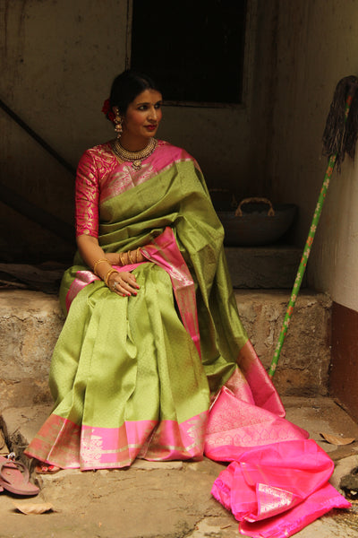 | PEACOCK & RAINS | Green Pure Kanjeevaram Soft Silk Saree with contrast border. TCB-JR4428