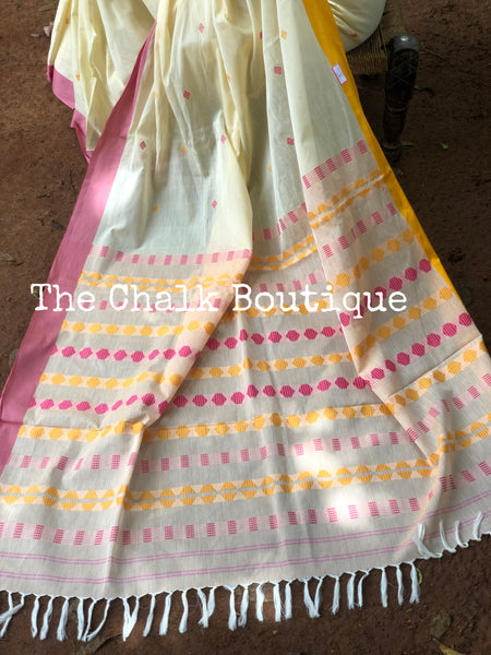 | Giggle Toes | Light yellow handloom mark' handwoven begumpuri saree.
