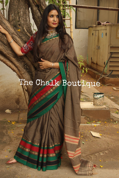 Metallic Grey Soft Cotton Saree With Contrast Broad Temple Style Border. TCB-BB13-P18