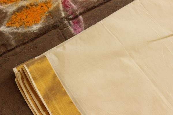 Traditional Handwoven 'Kasavu' buti cream cotton saree with zari border. RK-PKV-4-C
